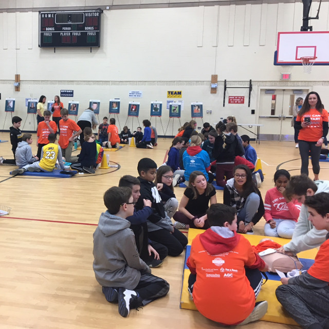 Downingtown 6th graders training on CPR+AED