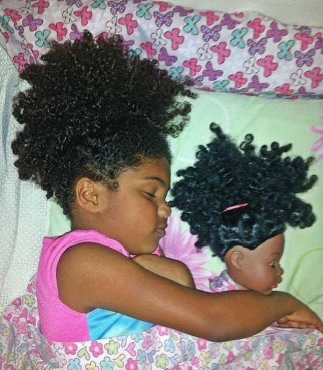 1026660-babies-and-look-alike-dolls-2__605-650-9769bb02e9-1473155253