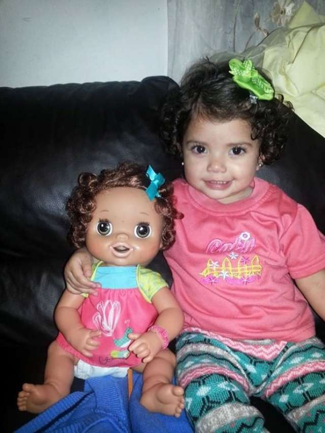 1027260-babies-and-look-alike-dolls-14__605-650-be1070f41a-1473155253
