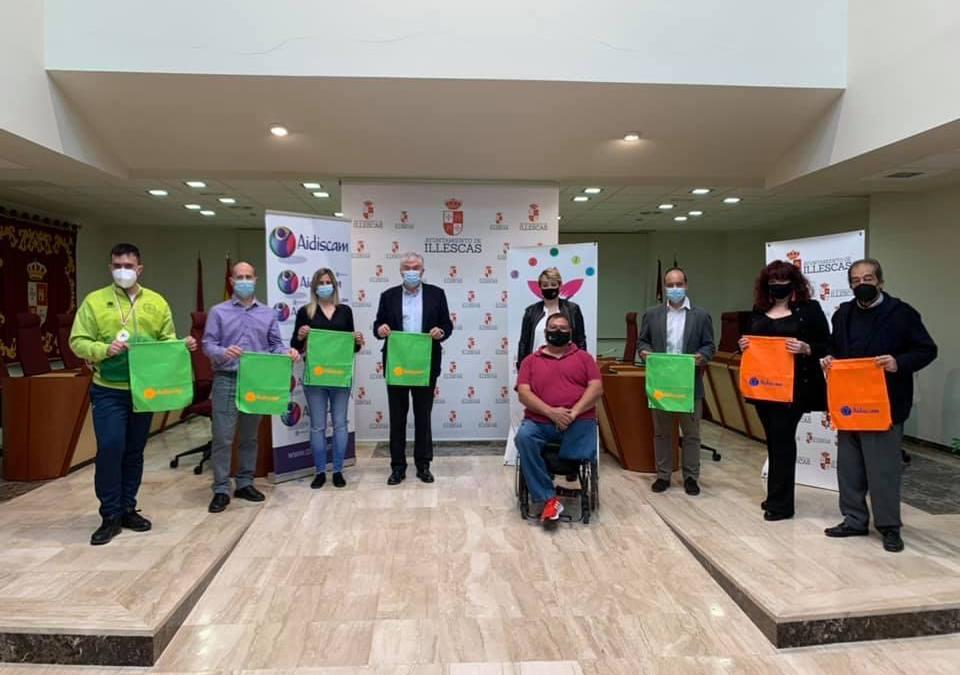 El alcalde de Illescas, José Manuel Tofiño, y la concejala de Deportes, Belén Beamud, han acudido hoy a la presentación del III Campeonato de Karate y Parakarate Aidis-Nisseishi.