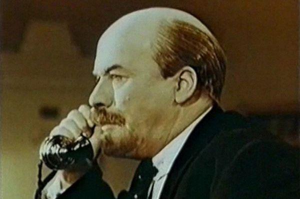 Павел Молчанов в фильме «Незабываемый 1919-й», 1952.