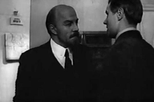 Михаил Ульянов в фильмах «Штрихи к портрету В. И. Ленина», 1969, «На пути к Ленину», 1969, «Trotz alledem!», 1972.