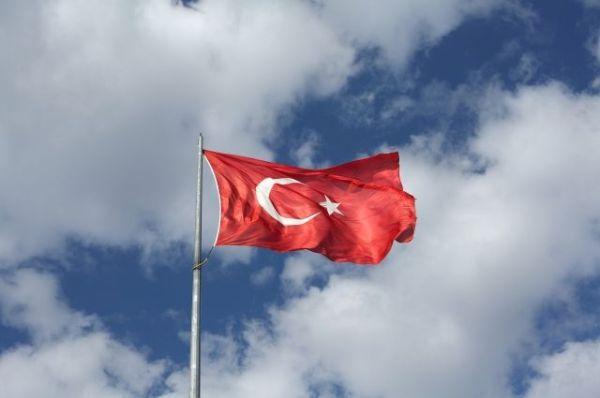 В Турции погибли девять военных во время крушения ...