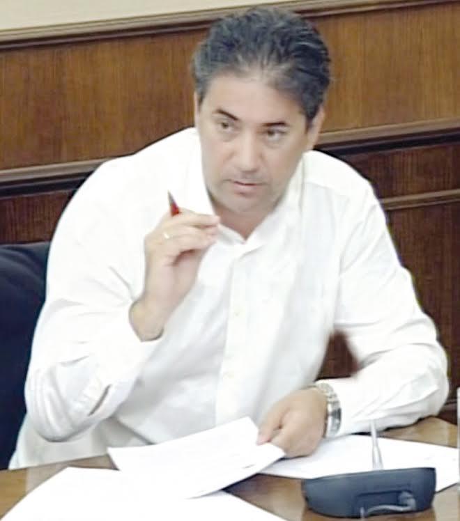 Γρηγόρης Τριανταφυλλόπουλος: «Στην Αιγιάλεια δεν θα εξυπηρετήσει σε τίποτα η οποιαδήποτε κομματική παρέμβαση»