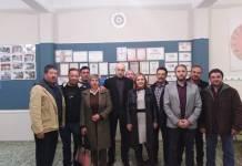Στα πλαίσια συνέχων επαφών και συναντήσεων της Ομοσπονδίας Συλλογών Αιγιάλειας (Ο.Σ.Α) με Πολιτειακούς παράγοντες και φορείς της περιοχή μας, συναντήθηκαν στο φιλόξενο γραφείο του Χορευτικού Ομίλου Αβύθου «Aχαιοί» την Τετάρτη 19/02/2020, η προσωρινή διοίκηση της Ομοσπονδίας αποτελούμενη από τους Σταύρο Κ Καραδημητρόπουλο πρόεδρο, Ανδρέα Παλαιολογόπουλο Αντιπρόεδρο Νικόλαο Παπαδόπουλο Γεν. Γραμματέα, Αθανάσιο Μπαλτουμά ταμία, Σπύρο Χριστόπουλο, Γεώργιο Ρόζο, Φάνη Παπαδόπουλο, Θανάση Κόρδα και Ολυμπία Ρούβαλη με την Κα Βασιλική Ψυχράμη Αντιδήμαρχος τεχνικών έργων - επικεφαλής της παράταξης «ΠΟΙΟΤΙΚΗ ΑΙΓΙΑΛΕΙΑ» και τον Κο Στράτο Βαρδάκη Αντιδήμαρχο τουρισμού και Ποιότητα Ζωής του Δήμου Αιγιαλείας. Συζητήθηκαν θέματα για την Ομοσπονδία Συλλογών Αιγιαλείας και έγινε ενημέρωση για τους σκοπούς, τους στόχους αλλά και για τις επικείμενες δράσεις που θα γίνουν στο νέο έτος. Από την μεριά τους η Κα Ψυχράμη και ο Κο Βαρδάκης συνεχάρηκαν όλα τα ιδρυτικά σωματεία που ξεκίνησαν αυτή την πρωτόγνωρη προσπάθεια για την Αιγιάλεια, δήλωσαν τον ενθουσιασμό τους που κατάφεραν επιτέλους σωματεία να ενωθούν με στόχο την πολιτιστική ανάπτυξη της Αιγιάλειας. Ακόμη η Κα Ψυχράμη ενημέρωσε ότι είχε προσπαθήσει στο παρελθόν με πρωτοβουλία της να δημιουργηθεί ένας παρόμοιος φορέας. Επιπλέον η Κα Ψυχράμη αλλά και ο Κο Βαρδάκης τόνισαν ότι πιστεύουν και στηρίζουν την προσπάθεια αυτή των σωματείων και διαβεβαίωσαν ότι θα είναι δίπλα στην Ο.Σ.Α. για ότι χρειαστεί στο Δημοτικό συμβούλιο αλλά και γενικά στις δράσεις που θα ακολουθήσουν. Οι συναντήσεις θα συνεχιστούν και με άλλους φορείς για ενημέρωση.