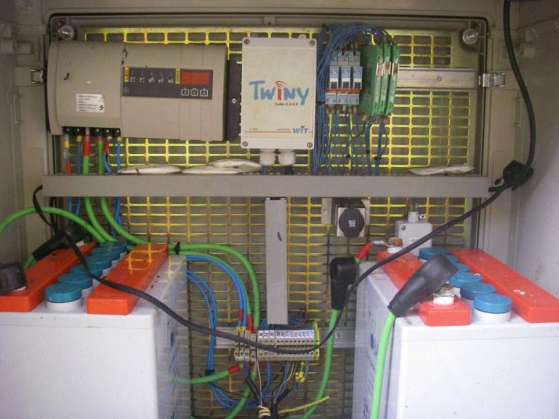 Interior caseta de comunicació