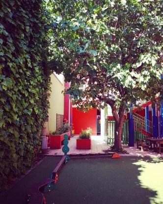 静まり帰ったミラノの子どもの家