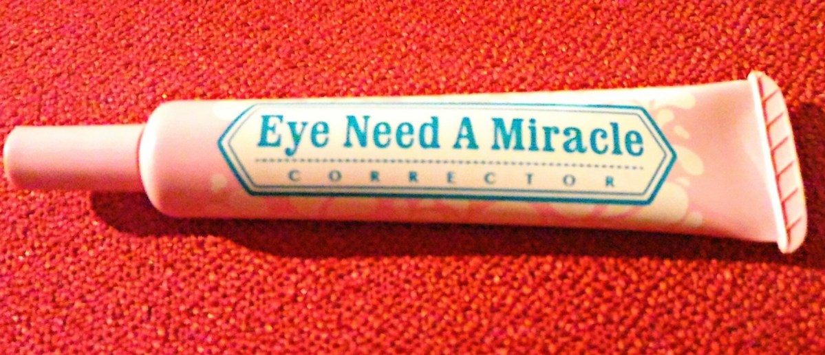 Happy Skin Eye Need a Miracle Corrector for Invisible Eyebags