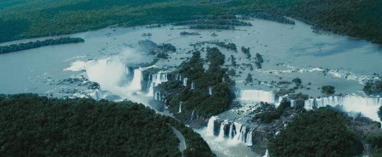 Las Cataratas de Iguazú forman una parte importante de la trama