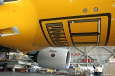 Detalle del avión en el aeropuerto de Haneda