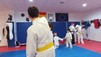 aikido-kids-infantil-y-juvenil-entrenamiento-navideno-2016-defensa-personal-aikido-aikikai-san-vicente-del-raspeig-al_101