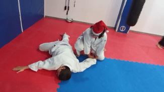aikido-kids-infantil-y-juvenil-entrenamiento-navideno-2016-defensa-personal-aikido-aikikai-san-vicente-del-raspeig-al_115