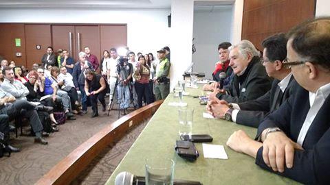 """""""Pepe"""" Mujica con los representantes de los trabajadores"""