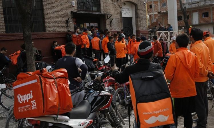 Mensajeros de Rappi crean sindicato, el primero de una plataforma tecnológica en Latinoamérica