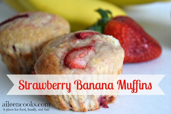 Sweet and Moist Strawberry Banana Muffins | aileencooks.com