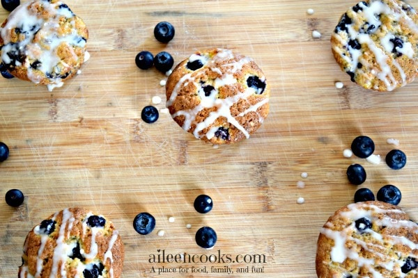 Banana Blueberry Muffins with vanilla glaze | http://aileencooks.com