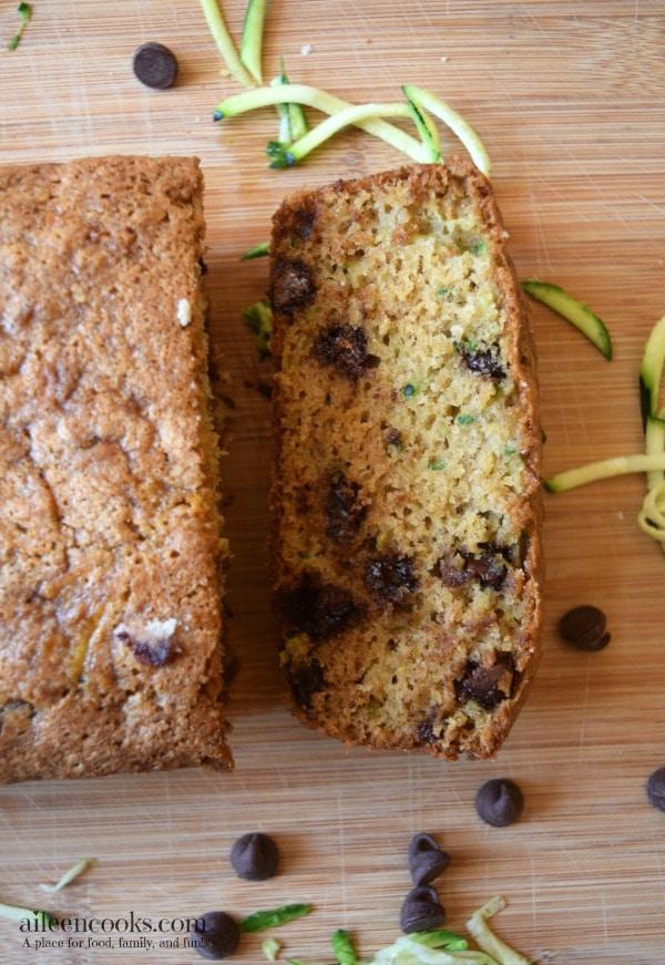 Whole Wheat Chocolate Chip Zucchini Bread. Healthy. Vegetarian. Kid-friendly. https://aileencooks.com