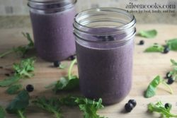 Blueberry Kale Smoothie packed with frozen blueberries, healthy kale, creamy greek yogurt, protein powder, almond milk, and banana. Healthy smoothie recipe. Healthy breakfast recipe. Recipe from aileencooks.com.