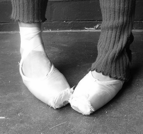 feet in pointe shoes