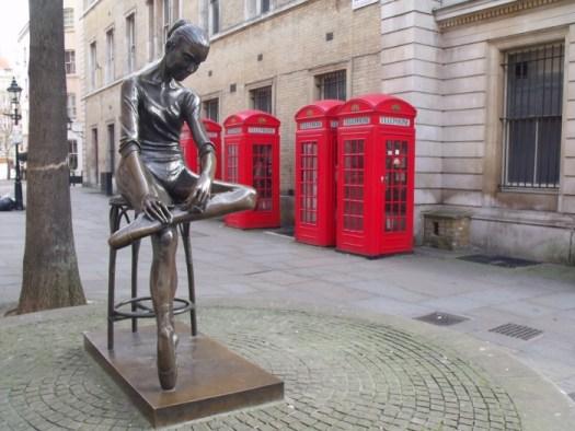 little dancer beside the Opera House in Covent Garden, London, England