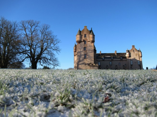 A frosty Fyvie Castle. Ailish Sinclair | Castles in the Snow