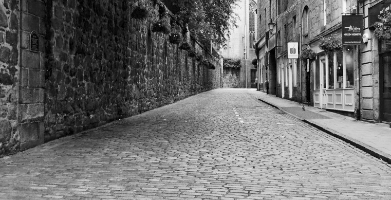 cobbles of Correction Wynd in Aberdeen