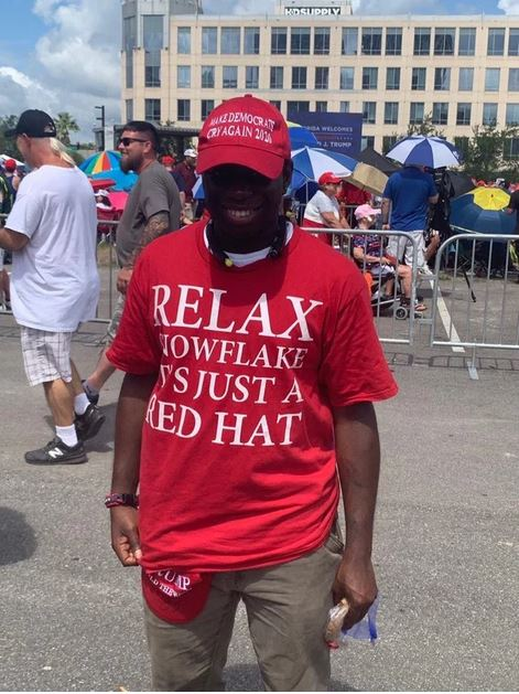 red maga hat.JPG