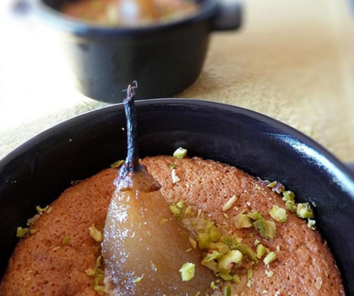 Cocottes de poire et amandine pistachée
