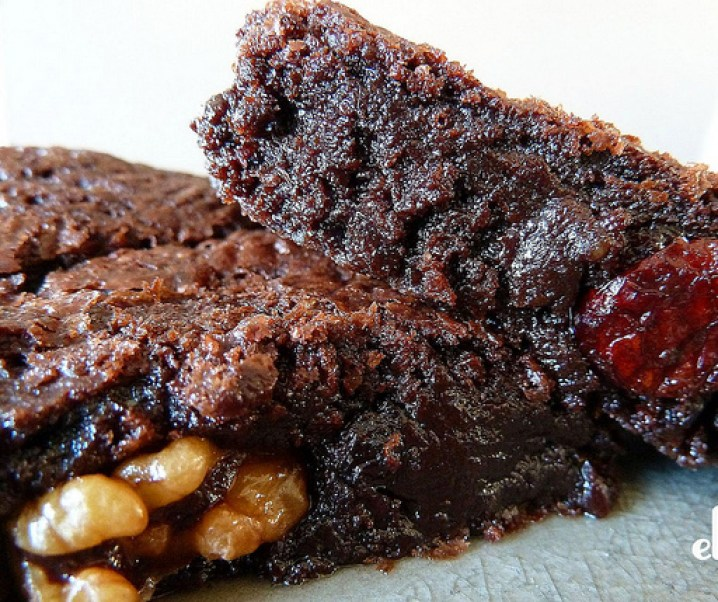 Brownies aux noix et aux airelles