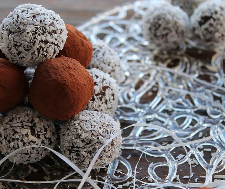 Truffes au chocolat à la crème de noix de coco {Pour préparer Noël #10}