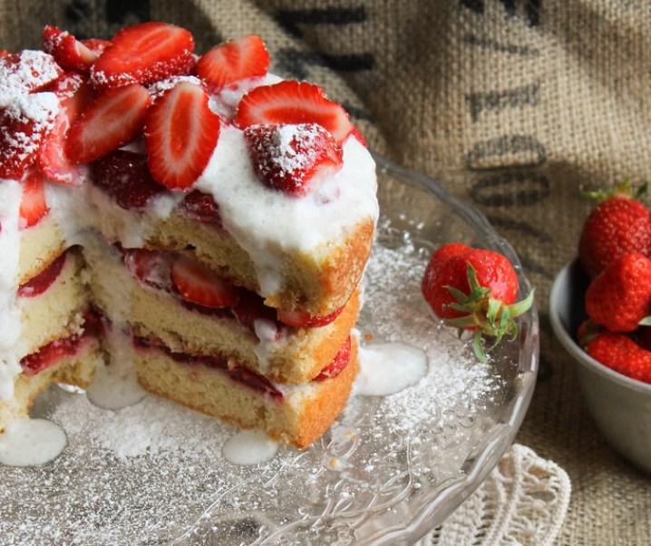Layer cake aux fraises {sans lait}