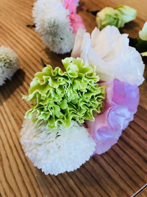 卒業式を生花の髪飾りで華やかに装いませんか?