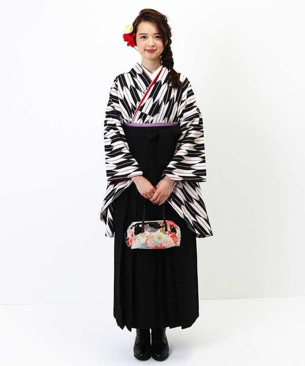 富田林、金剛、大阪狭山市で卒業式の 袴の着付けを行っている美容室エメールヘアです。
