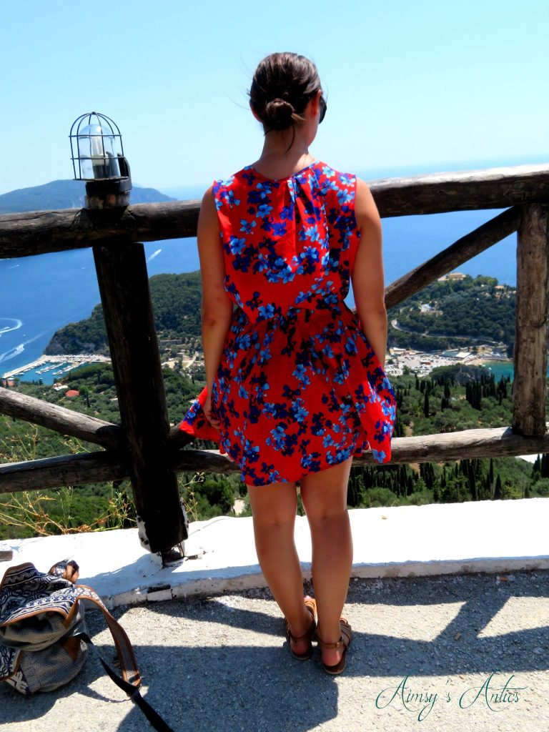 Woman looking over Bella Vista Viewpoint