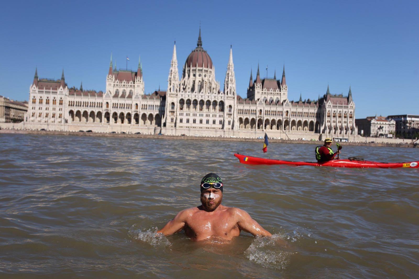 Dunare: Avram Iancu a traversat capitala Ungariei, Budapesta.
