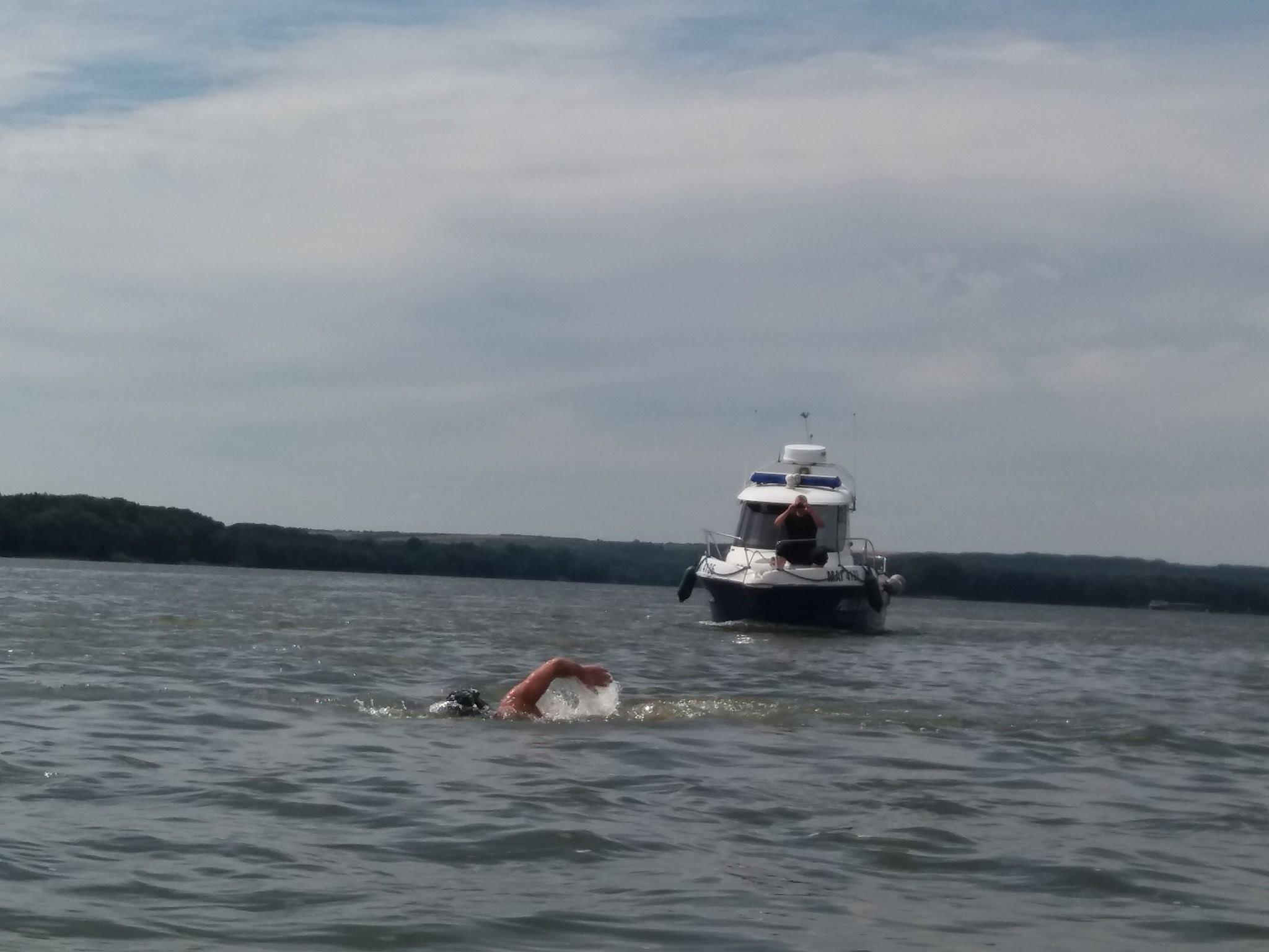"""""""Miroase"""" a Marea Neagra!!! Avram Iancu mai are de inotat 330 de kilometri pana la Sulina"""