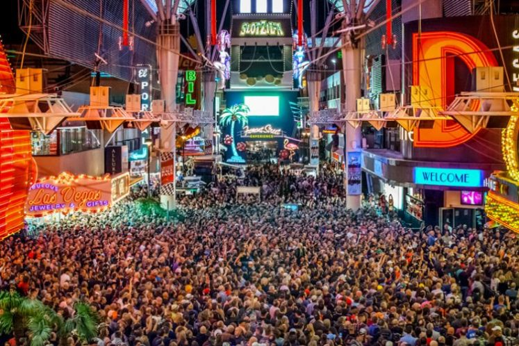 image-fremont street experience