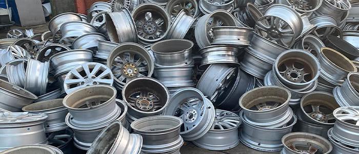 【非鉄金属スクラップ】アルミニウムスクラップの取扱い一覧と買取価格をご確認頂けます。アルミホイール不物無し、アルミホイールミックス、1ピースホイール、2ピースホイール、3ピースホイール、アルミスクリーン、アルミサッシビス無し、ビス付きサッシ、解体サッシ、アルミ合金、アルミコロ、機械コロ、アルミガラ、鍋ガラ、アルミ缶、アルミ缶プレス、アルミPタイル、アルミダライ、アルミ屑全般を取扱いが可能です。 滋賀県非鉄金属買取の神田重量金属株式会社#アルミホイールA#アルミホイールB#アルミホイール不物無し#アルミホイールミックス#アルミ2ピース#アルミ3ピース#アルミスクリーン#アルミサッシビス無し#アルミサッシプレス#ビス付きサッシ#アルミサッシビス付き#解体サッシ#アルミコロ#機械コロ#アルミ鍋ガラ#鍋アルミ#アルミガラ#アルミ缶バラ#アルミ缶プレス#アルミ缶一般#アルミラジエーター#アルミコンデンサー#アルミPタイル#Pタイルアルミ#アルミ床材#アルミエンジン#白白エンジン#白黒エンジン#アルミ付きタイヤ#アルミホイール付きタイヤ#シュレッダーアルミ#破砕アルミ#アルミシュレッダー#アルミダライ#アルミ切粉#アルミ1000番S#アルミ2000番S#アルミ3000番S#アルミ4000番S#アルミ5000番S#アルミ6000番S#アルミ7000番S#アルミ8000番S#プルタブ#ジュラルミン#鍋アルミ#アルジェイド