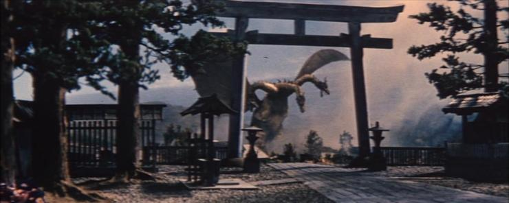 ghidorah-the-three-headed-monster-flying