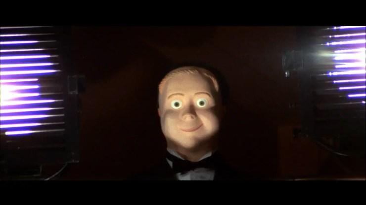 four-flies-on-grey-velvet-movie-boy-mask