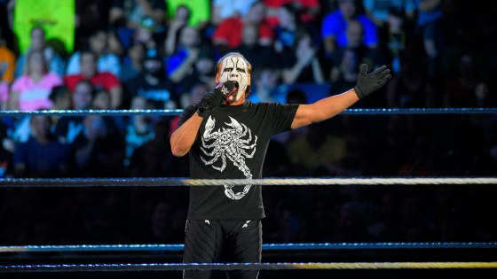 Coming off of a surprisingly hot episode last week and a rare series of segment announcements over the weekend—including Sting opening the show and the first-ever Divas Beat the Clock Challenge—this week's Raw was poised for greatness as WWE hoped to capitalize on its surge of forward momentum.