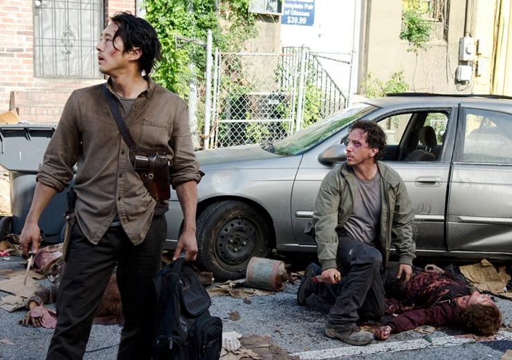 the-walking-dead-episode-603-glenn-car