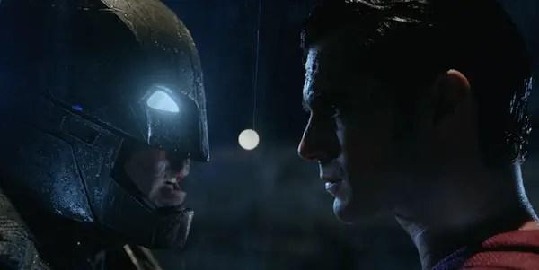 batman-v-superman-head-to-head