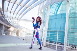 overwatch_dva_by_miyuki_cosplay-5