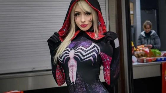 Spider-Gwenom Cosplay by Elise Laurenne