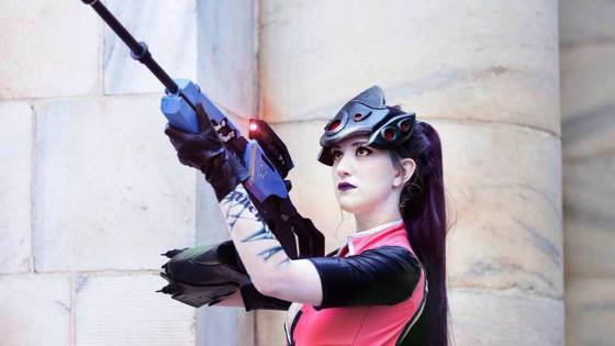 [30 Days of Halloween] Overwatch: Witch Mercy and Widowmaker Cosplay by Tina Kinz