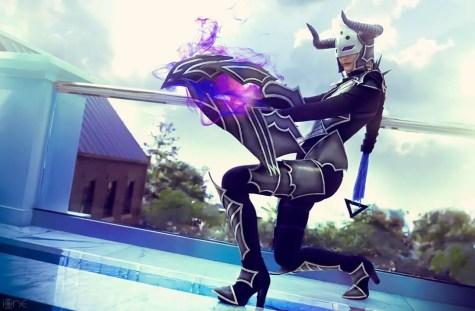 darkflame-shyvana-captain-izzy-cosplay-2