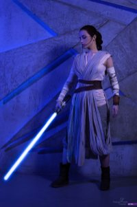 star-wars-the-force-awakens-rey-cosplay-by-narga-8