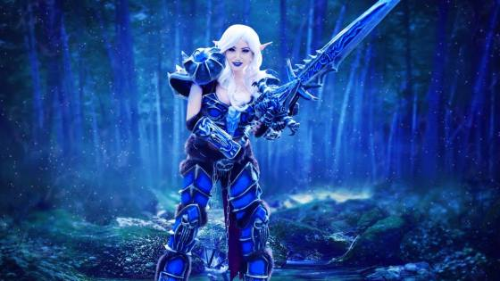 Although far less necrotic-looking than some Death Knights you'll come across in Acherus: The Ebon Hold or even New Avalon, cosplayer Ashe Kai nonetheless presents the look of World of Warcraft's first hero class in authentic, detailed form -- particularly the impressively designed armor and Runeblade: