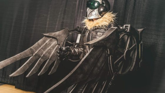 Black Zero brings Spider-Man: Homecoming's winged villain to life with this phenomenal cosplay.